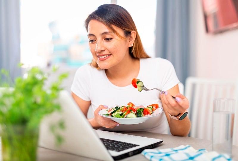 home office consejos hábitos alimentación hemorroides